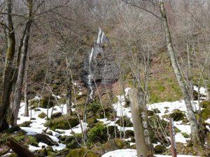 雪解け進む奥入瀬渓流